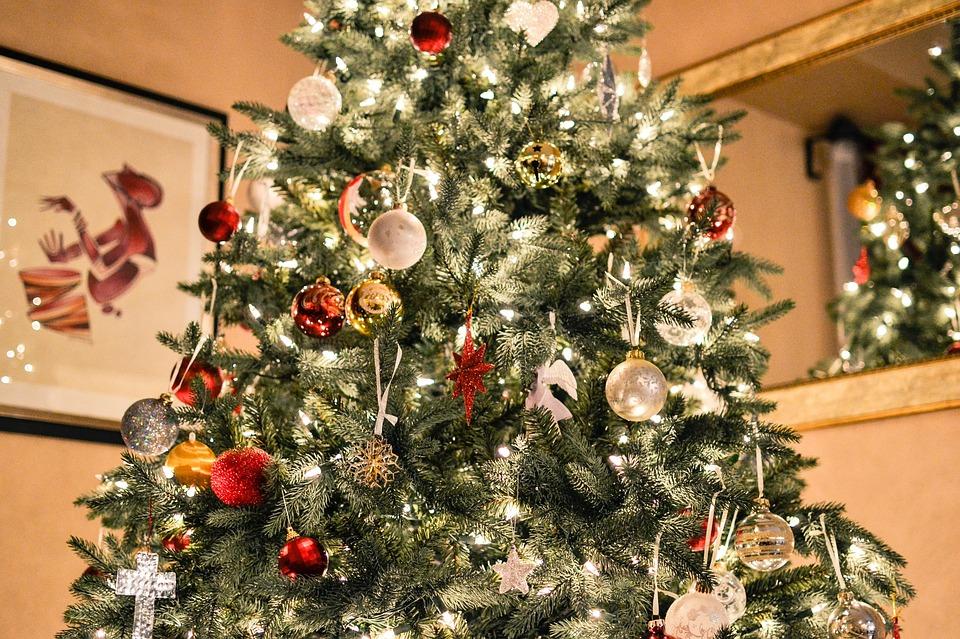 Albero Di Natale Online.Albero Di Natale Acquistarlo Online Conviene