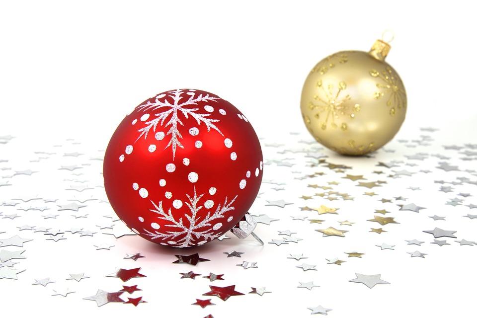 Palline di Natale fai da te: 2 tutorial facilissimi
