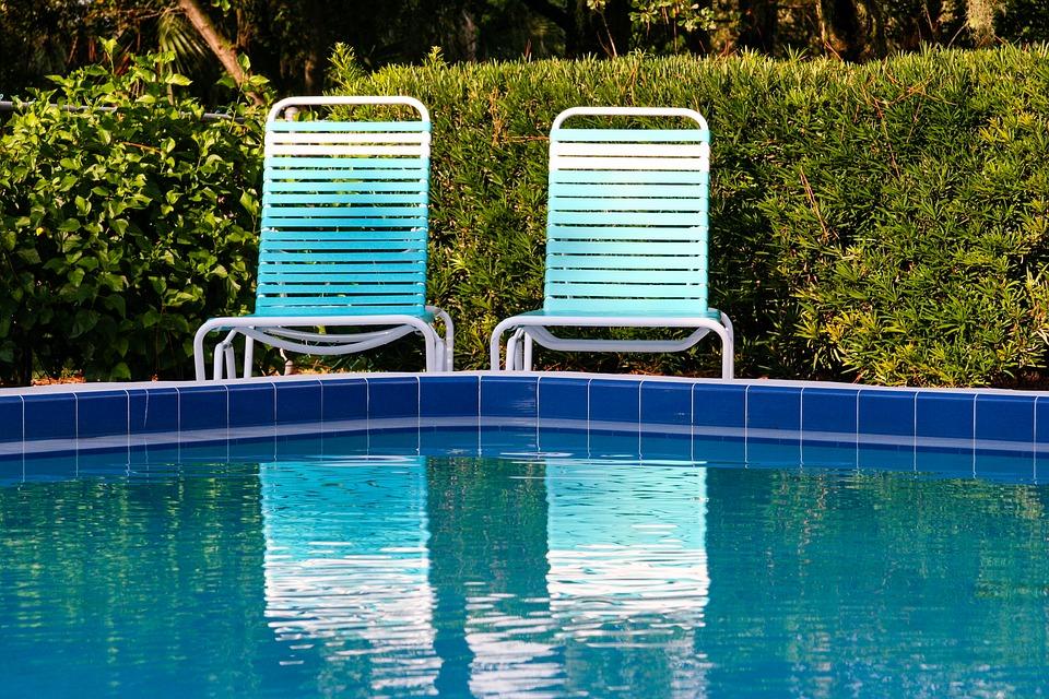 Piscine interrate in giardino vantaggi manutenzione e prezzi - Prezzi piscine interrate ...