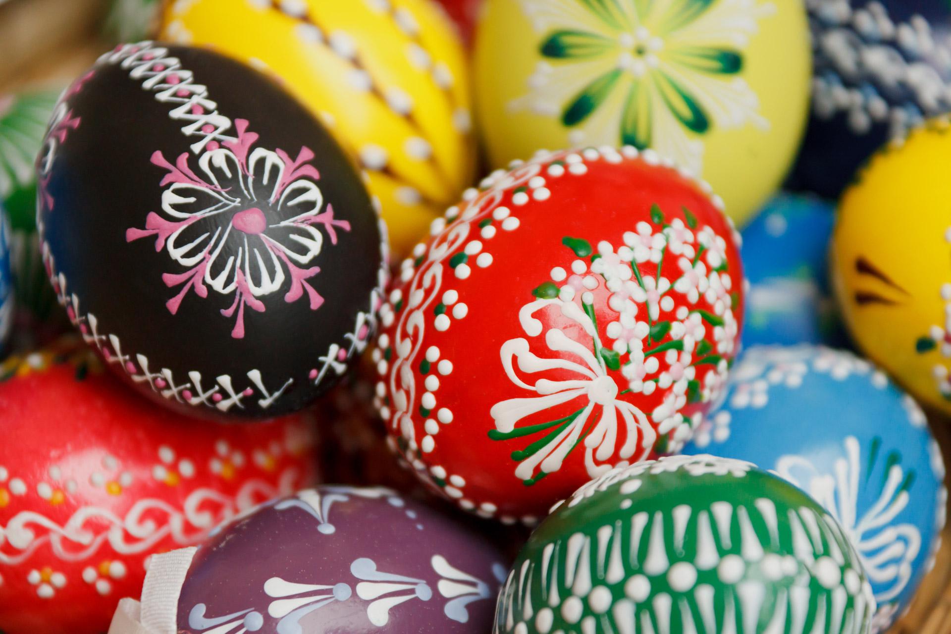 Uova di Pasqua decorate fai da te: facili e di grande effetto