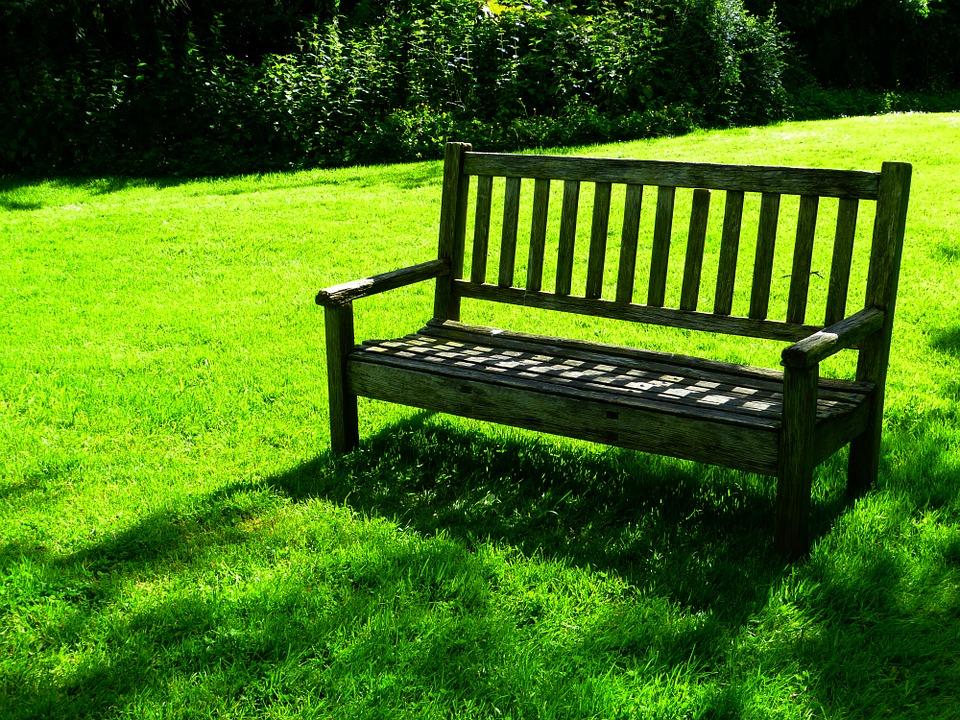 Arredamento da giardino: consigli per l'acquisto