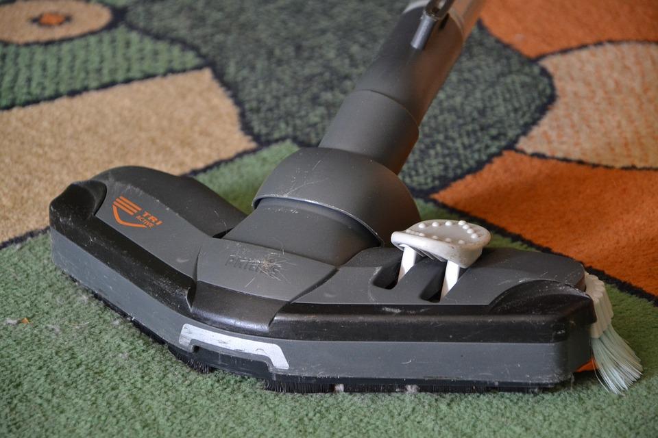 Come pulire i tappeti in casa: consigli e metodi efficaci