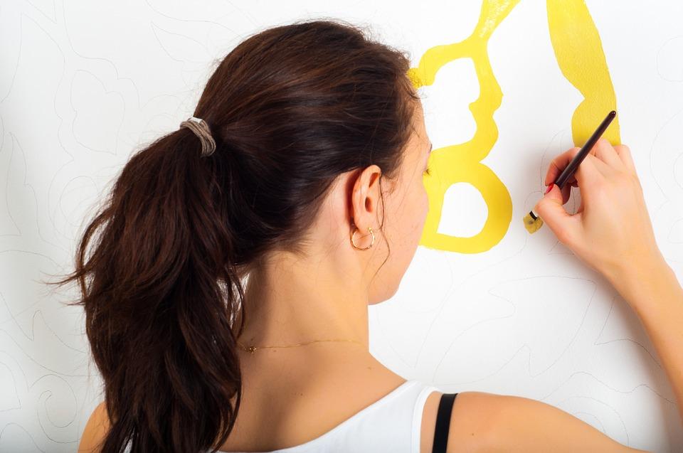 Pitturare Casa con il Fai Da Te: dallo spatolato veneziano alle decorazioni